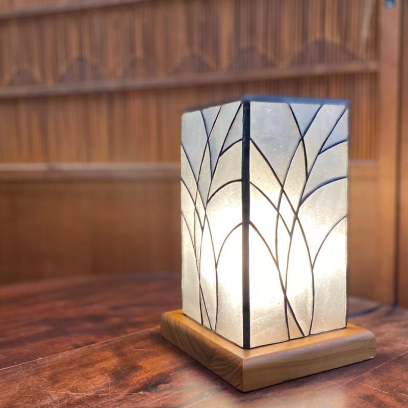 099H524  ステンドグラス・ランプ「すすきの行燈」