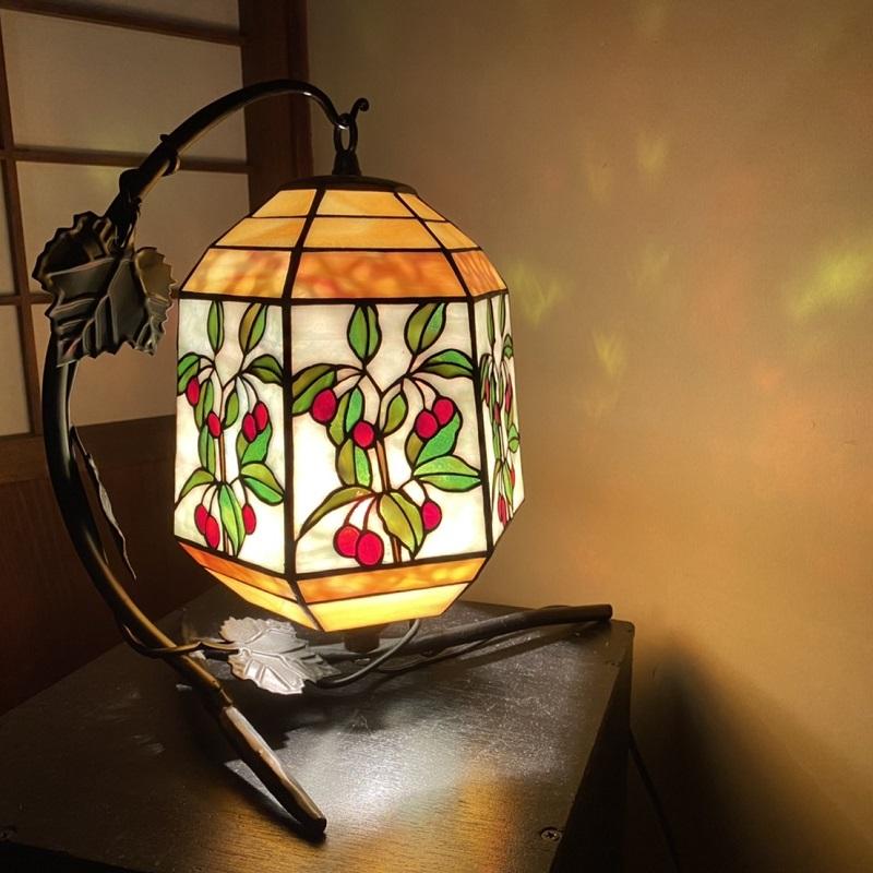 099H239  ステンドグラス・ランプ「子供のころの思い出」(夏ぐみ)