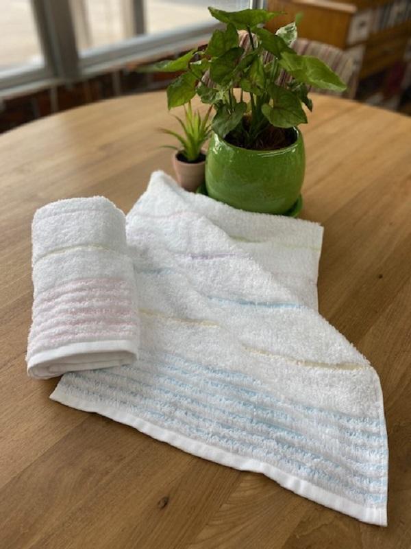 005A023 キュートな透かし織りふんわりタオル2枚組